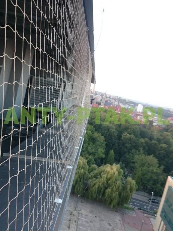 montaż_siatek_przeciwko_ptakom_Katowice_02_1_1